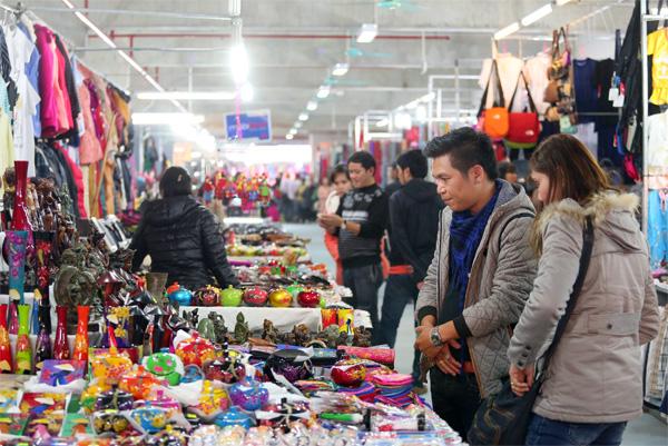 Chợ mua sắm Hạ Long