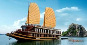 Du thuyền ngắm cảnh Hạ Long
