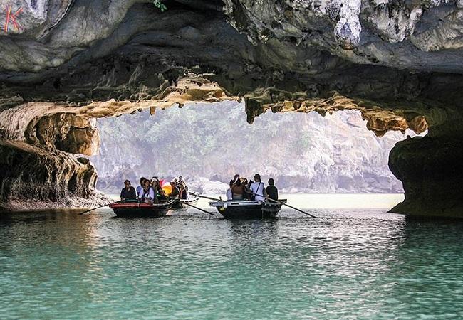 Hang Trống - hang Trinh Nữ rất thu hút du khách