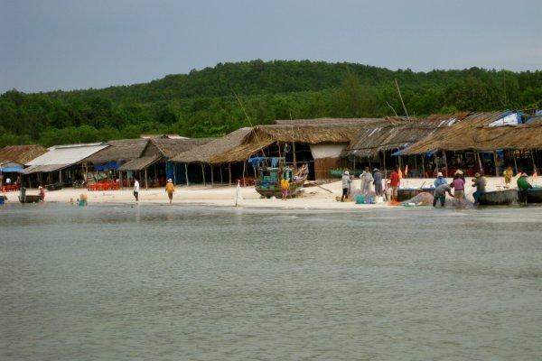 Bãi Khem hoang sơ đảo Phú Quốc