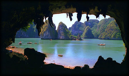 Hang Bồ Nâu vịnh Hạ Long