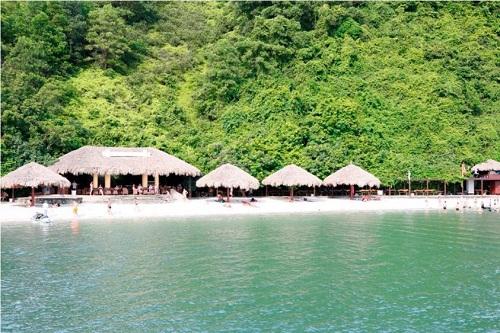 Bãi tắm trên đảo Soi Sim