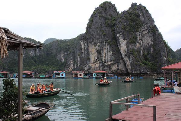 Làng Chài Vung Viêng - Vịnh Bái Tử Long