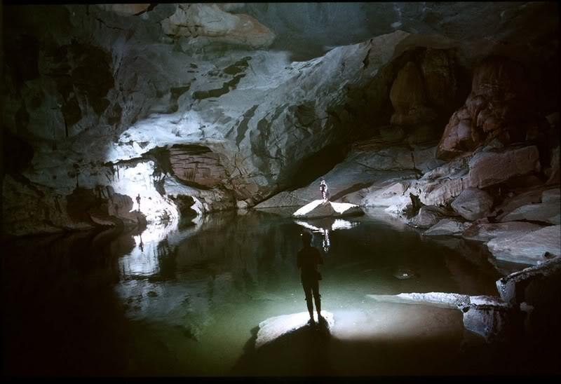 Hang Mê Cung - Hang động chưa nhiều dấu tích lịch sử