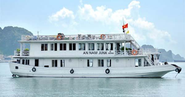 Du thuyền Annam Junk