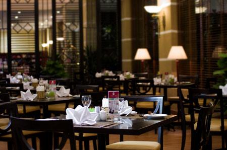 Nhà hàng tại khách sạn