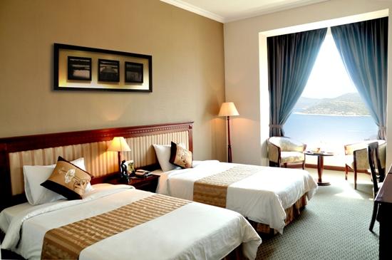 Không gian phòng khách sạn tiện nghi sang trọngKhông gian phòng khách sạn tiện nghi sang trọng