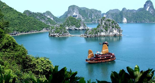 Vịnh Hạ Long- kỳ quan thiên nhiên của thế giới