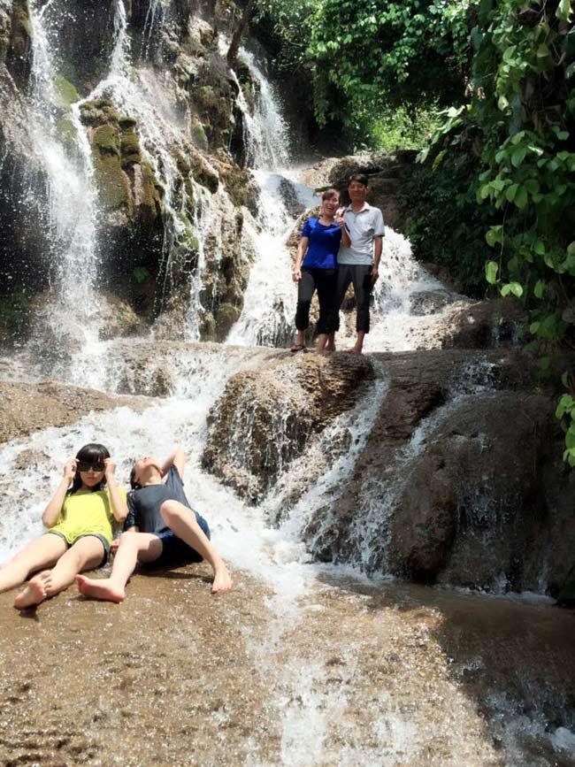 Thác Pùng là địa điểm nghỉ mát thú vị cho cả gia đình vào mùa hè
