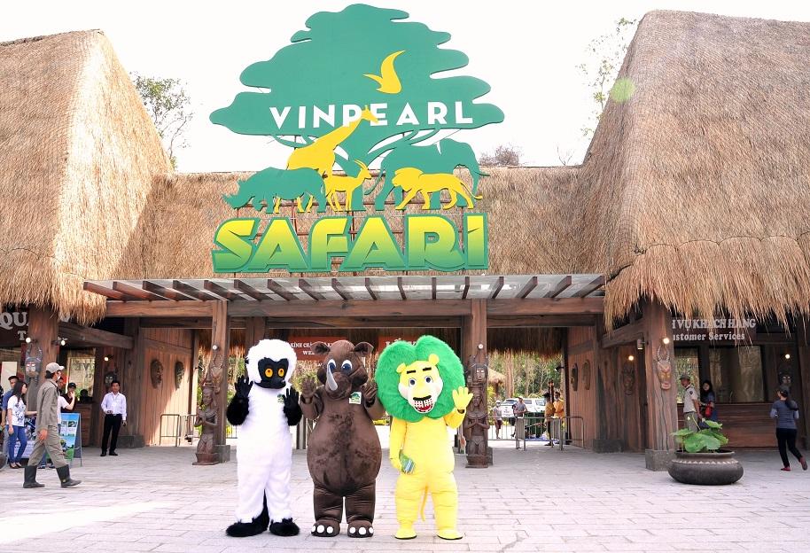 Cổng vào vườn thú Safari