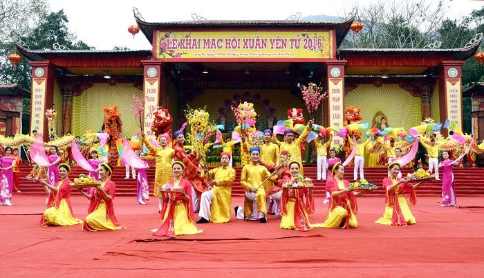 Khung cảnh lễ hội Yên Tử 2016
