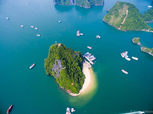 Đảo Ti Tốp nhìn từ trên cao