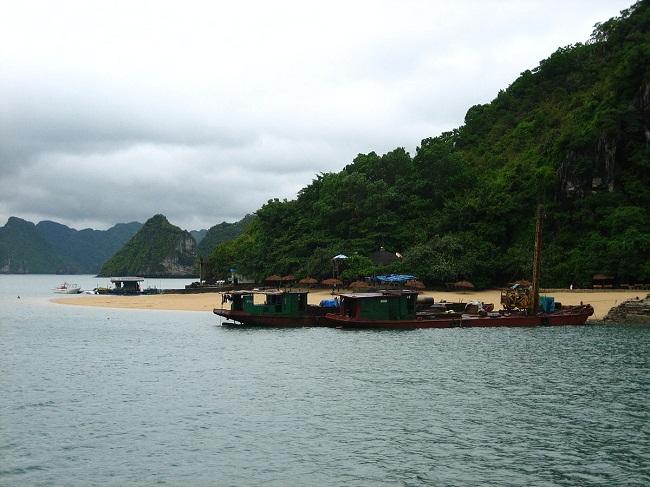Vẻ đẹp của đảo Ti Tốp